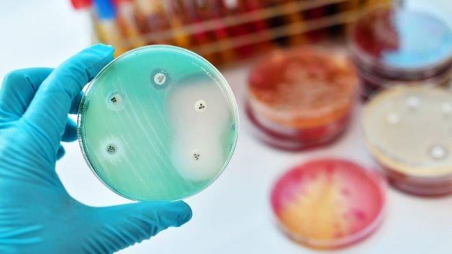 Lời cảnh báo toàn nhân loại của Liên Hợp Quốc: Tất cả thuốc kháng sinh đang trở nên vô dụng