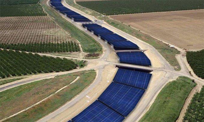 Lợi ích kép của việc lắp pin mặt trời trên kênh đào