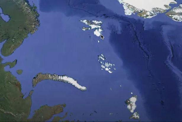 Lướt Google Earth, vô tình phát hiện căn cứ bí ẩn nghi của người ngoài hành tinh?