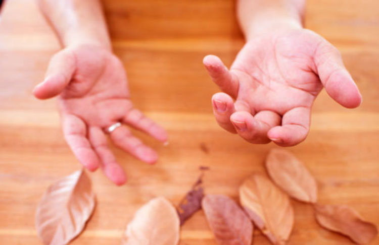 Mách bạn cách chữa run tay khi hồi hộp không cần dùng thuốc