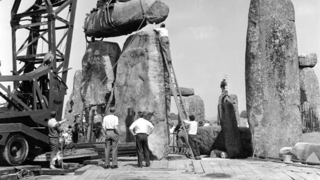 Mảnh đá từ kỳ quan Stonehenge được trả lại sau 60 năm