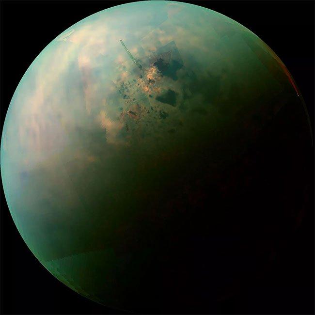 Mặt trăng Titan tồn tại dạng sự sống methane điên rồ?