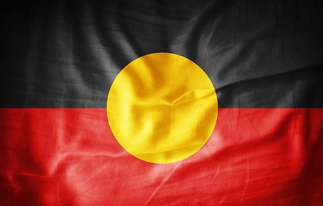 Mặt Trời bắt chước cờ thổ dân trong cháy rừng ở Australia
