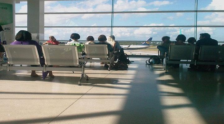 Mẹo chung sống vui vẻ với các chuyến bay delay nhiều giờ
