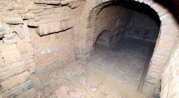 Mộ cổ cháu gái Hoàng hậu Trung Hoa và bí ẩn 4 chữ người mở sẽ chết trên nắp quan tài