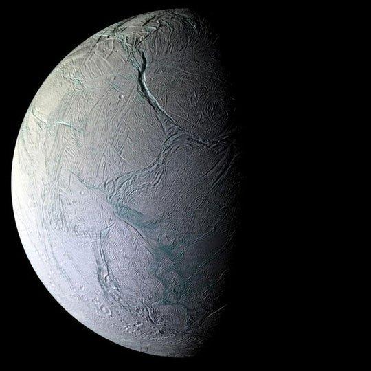 Một mặt trăng ngoài hành tinh đang đến tuổi sinh ra sự sống