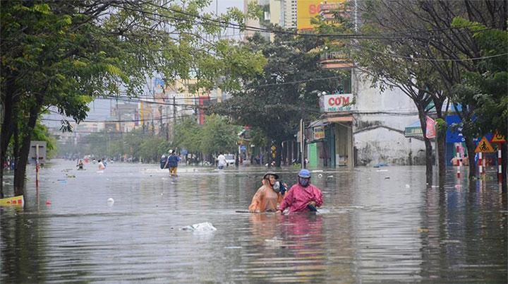Mưa lụt miền Trung: Sao dự báo không định lượng mưa từng khu vực?
