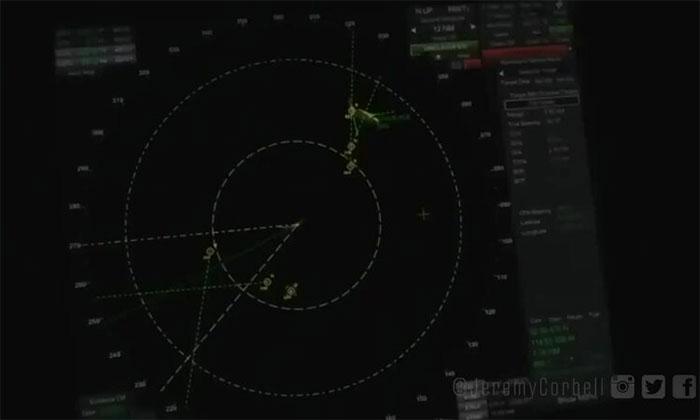 Mỹ thừa nhận UFO bao vây chiến hạm
