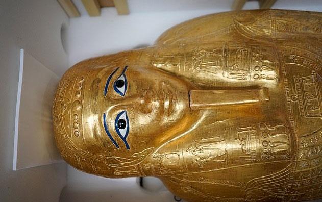 Mỹ trả quan tài vàng của thầy tế cổ đại cho Ai Cập