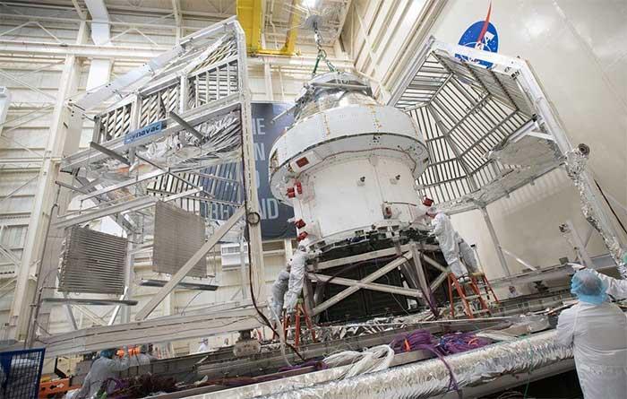 NASA chạy thử động cơ tên lửa lên Mặt trăng