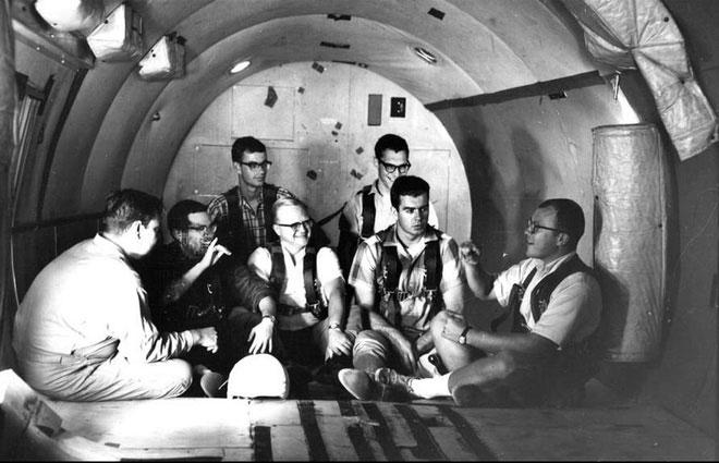 NASA có thể đưa phi hành gia ra vũ trụ là nhờ 11 người đàn ông khiếm thính