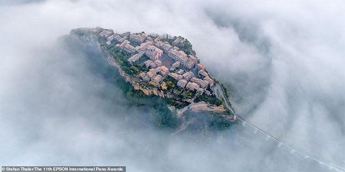 Ngẩn ngơ chiêm ngưỡng những vùng đất được sương mù bao phủ