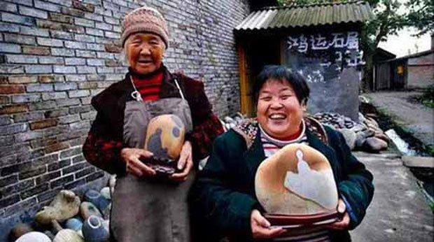 Ngôi làng ẩn chứa báu vật, chỉ cần nhặt cục đá cuội đem bán cũng đủ tiền mua xe, sửa nhà