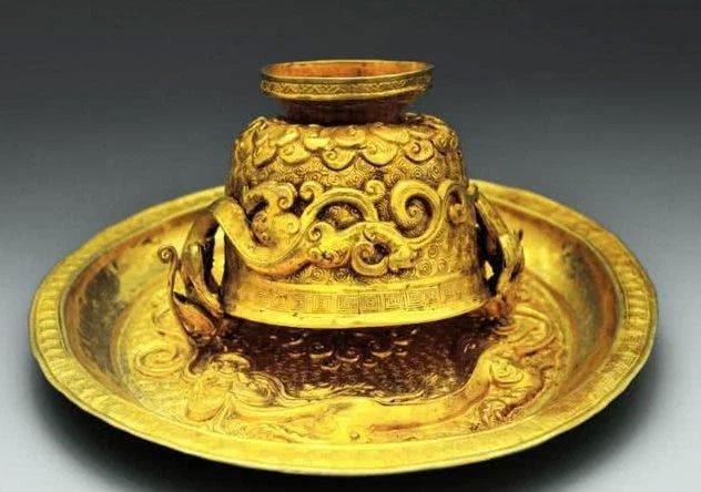 Ngôi mộ địa chủ xa hoa bậc nhất Trung Quốc: Đinh đóng quan tài cũng làm từ vàng ròng