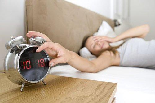 Ngủ bù sau mất ngủ không có tác dụng