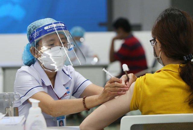 Người bệnh gan nào đủ điều kiện tiêm vaccine phòng Covid-19?