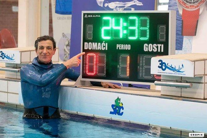 Người đàn ông nhịn thở dưới nước trong 24 phút 33 giây, tự phá kỷ lục bản thân và lập kỷ lục mới