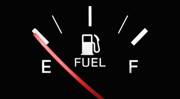 Nguyên nhân và cách xử lý khi bị nước vào bình xăng xe