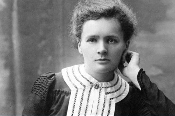 Nguyên tố chính trị và những điều có thể bạn chưa biết về Marie Curie