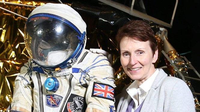 Nhà du hành vũ trụ Anh tiết lộ về người ngoài hành tinh