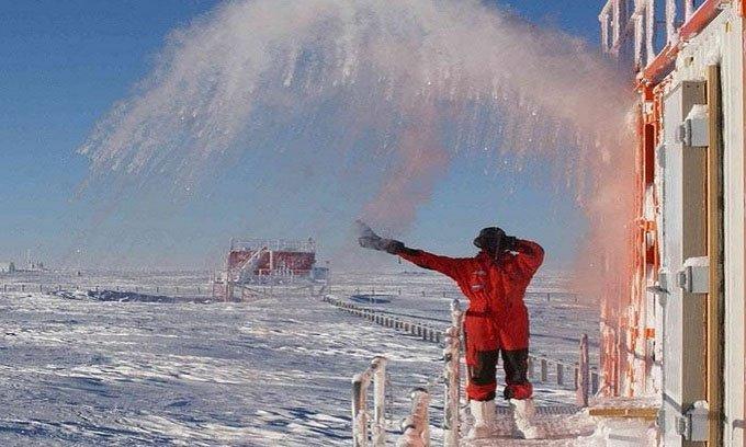 Nhà khoa học chật vật nấu nướng ở vùng cực -70 độ C