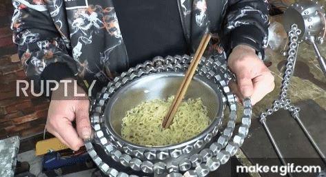 Nhà phát minh Trung Quốc hút triệu fan nhờ sáng chế toàn thứ điên rồ