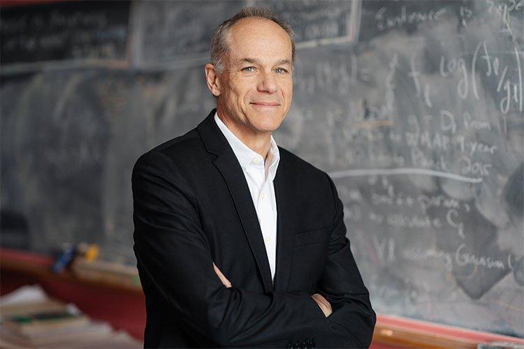 Nhà vật lý Brazil giành giải Templeton hơn 32 tỉ đồng