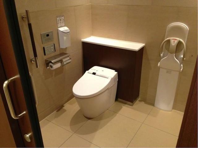 Nhà vệ sinh ở Nhật sạch tới cỡ nào? Hóa ra đây mới xứng là đỉnh cao công nghệ Nhật Bản