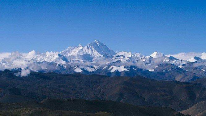 Nhiệt độ đỉnh Everest lạnh đến mức xác chết không phân hủy, liệu di thể người cổ đại có trên đó?