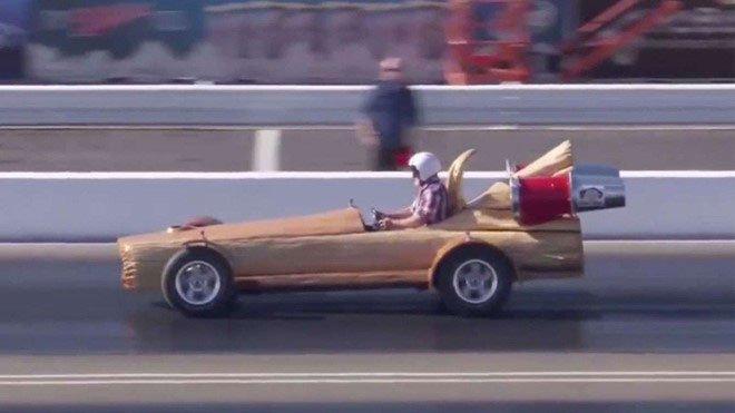 Những kỷ lục kỳ quặc trong thế giới ô tô