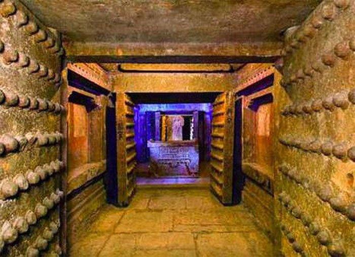 Những lăng mộ cổ đại đều bị đóng chặt từ bên trong, làm thế nào để người thợ cuối cùng thoát ra?