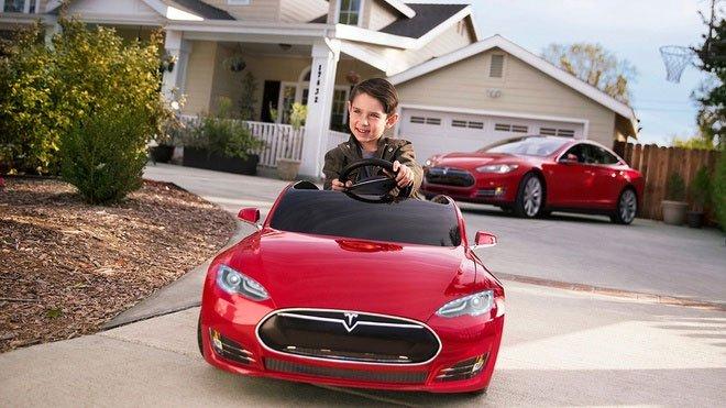 Những sản phẩm kỳ lạ được Elon Musk rao bán