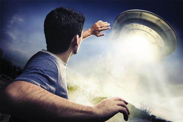Những vụ bắt cóc bởi UFO kì bí nhất từng được ghi nhận