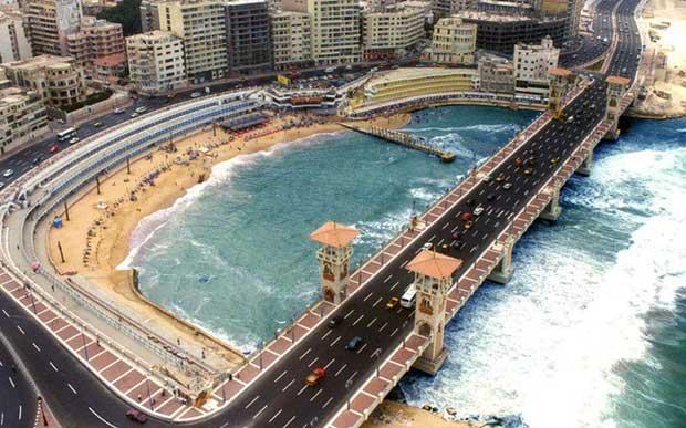 Nước biển dâng đe dọa nhấn chìm thành phố cảng Alexandria của Ai Cập