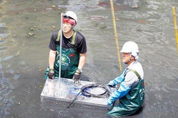 Nước sông Tô Lịch hồi sinh sau một tuần giải cứu