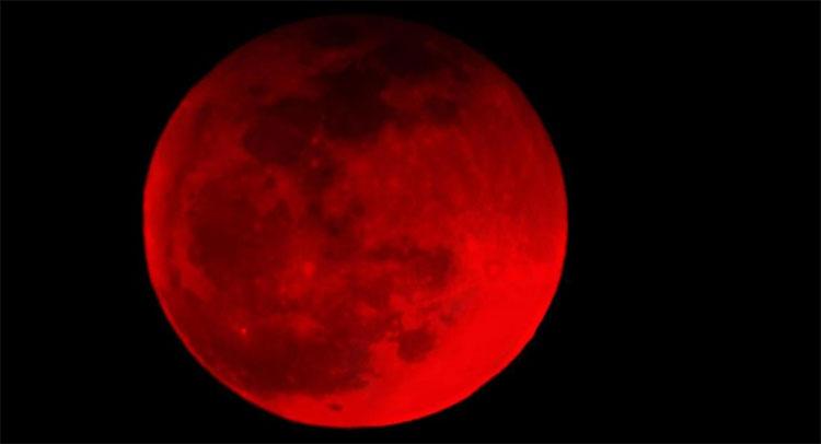 Ớn lạnh những tiên đoán về siêu trăng máu xuất hiện đêm nay
