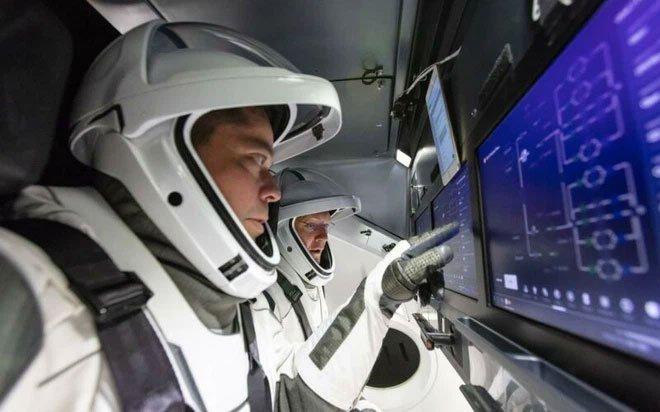 Phần mềm đảm nhiệm vận hành tên lửa SpaceX có gì đặc biệt?