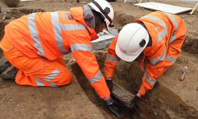 Phát hiện 3.000 thi thể chôn ở sân nhà thờ Buckinghamshire