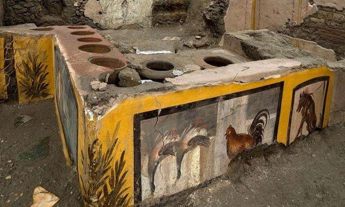 Phát hiện cửa hàng đồ ăn nhanh2.000 năm tuổi ở Pompeii
