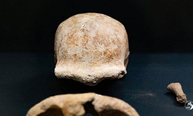Phát hiện hài cốt của 9 người Neanderthal bị linh cẩu tấn công