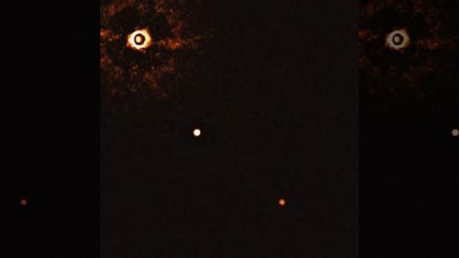 Phát hiện Hệ Mặt trời có 2 hành tinh khổng lồ cách Trái đất 300 năm ánh sáng