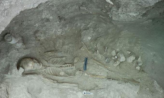 Phát hiện loạt cổ vật 3.500 năm tuổi trong mộ tập thể