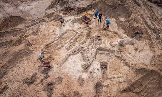 Phát hiện loạt ngôi mộ chứa 100 hài cốt nạn nhân dịch hạch