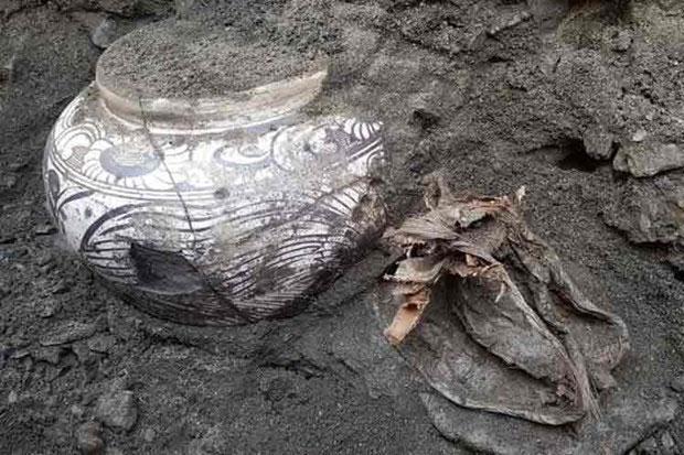 Phát hiện những đồ gốm cổ chứa kem và bơ tinh khiết tại Mông Cổ