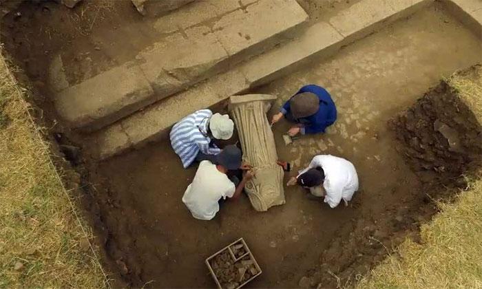 Phát hiện tượng cẩm thạch không đầu 1.800 năm tuổi ở Thổ Nhĩ Kỳ