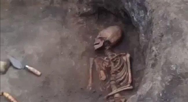 Phát hiện xương người ngoài hành tinh ở Nga?
