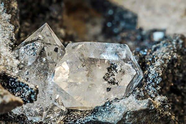Phát hiện yếu tố quan trọng giúp hình thành kim cương tự nhiên