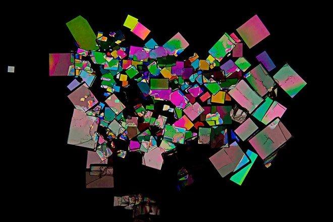 Phát triển máy tính hóa học lưu trữ ảnh bằng phân tử nhỏ
