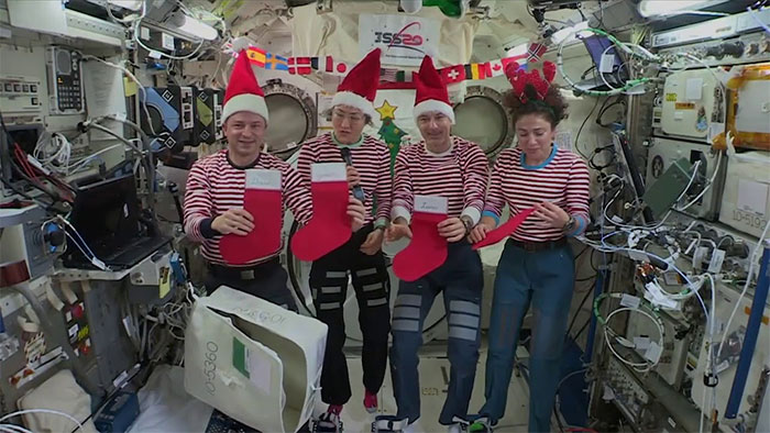 Phi hành gia đón Giáng sinh như thế nào?