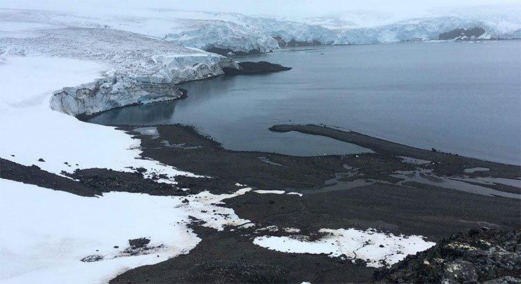 Phủ tuyết nhân tạo có thể giúp ngăn chặn nguy cơ lở băng